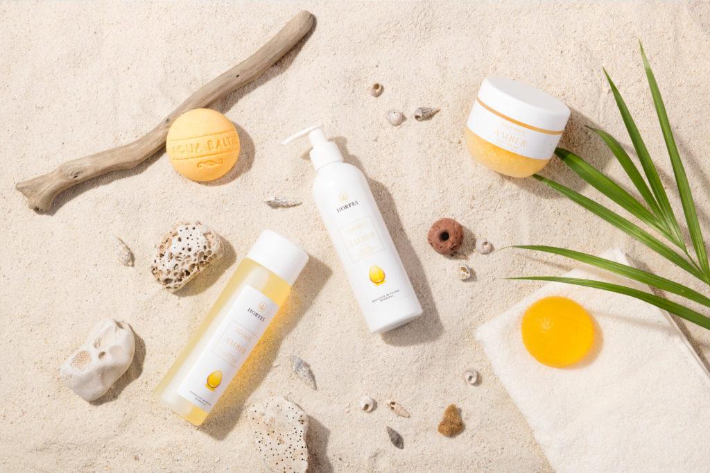 Kosmetyki zbursztynem napiaszczystej plaży